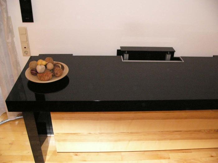 TV Lift Sideboard fast zu